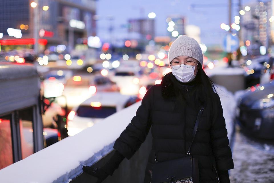 Как правильно носить маску зимой