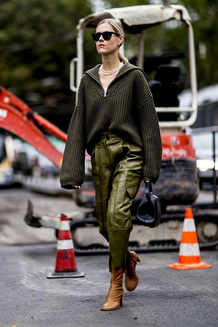 Базовые вещи на зиму 2020: Кожаные брюки