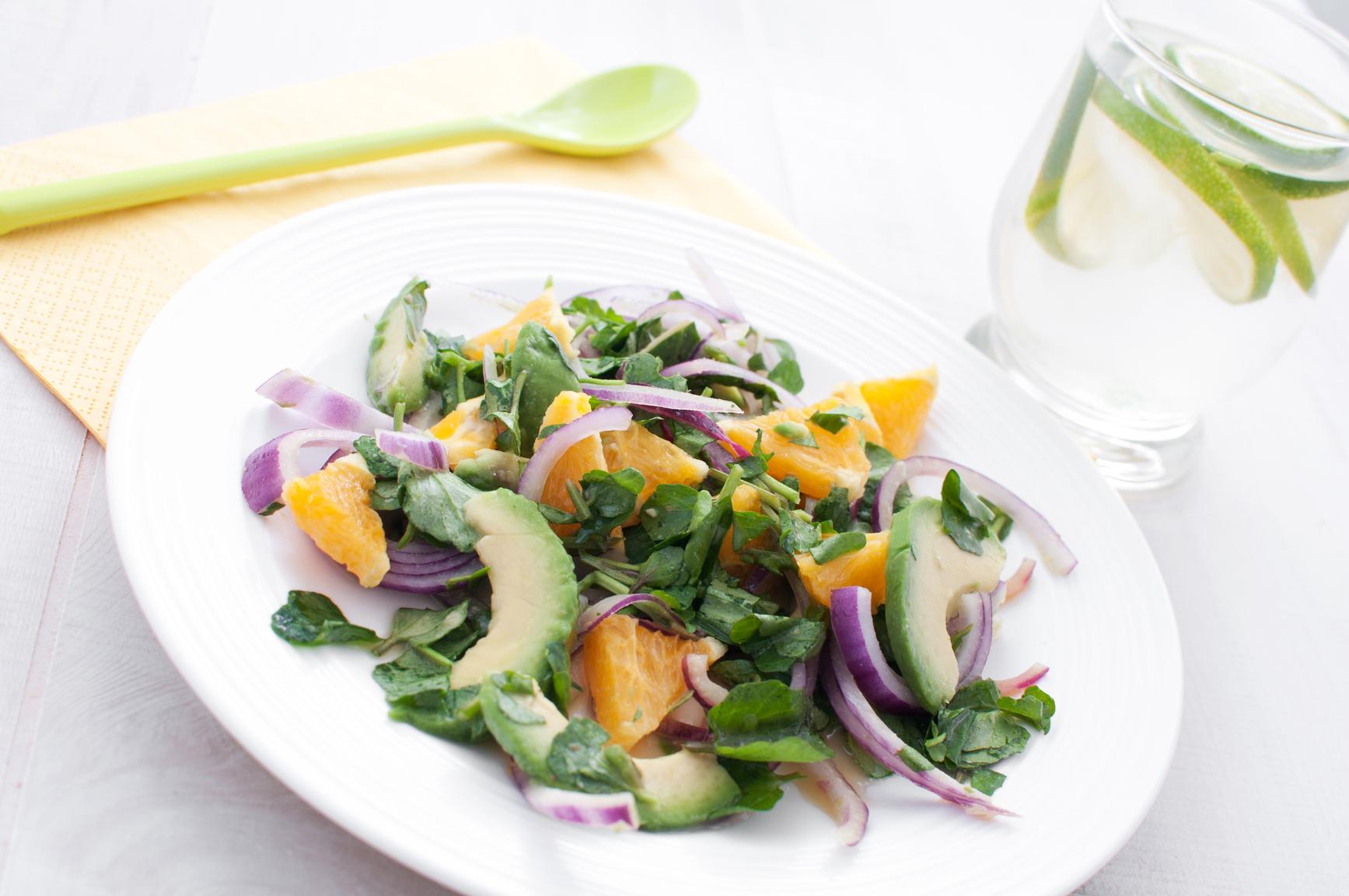 Постный салат с апельсином