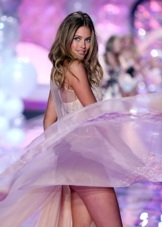 Даутцен Крез на Victoria's Secret Fashion Show 2014