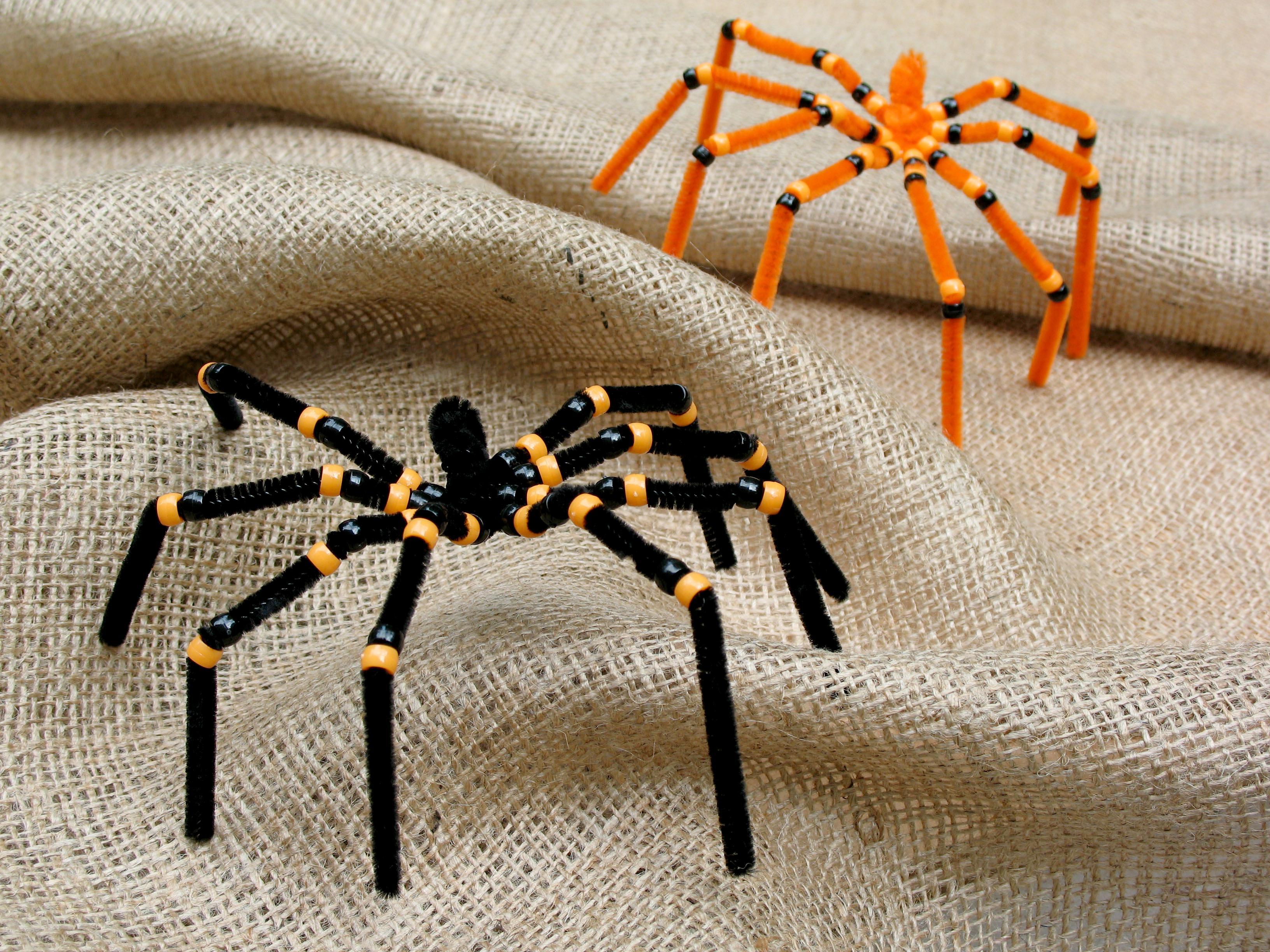 Резиновые пауки