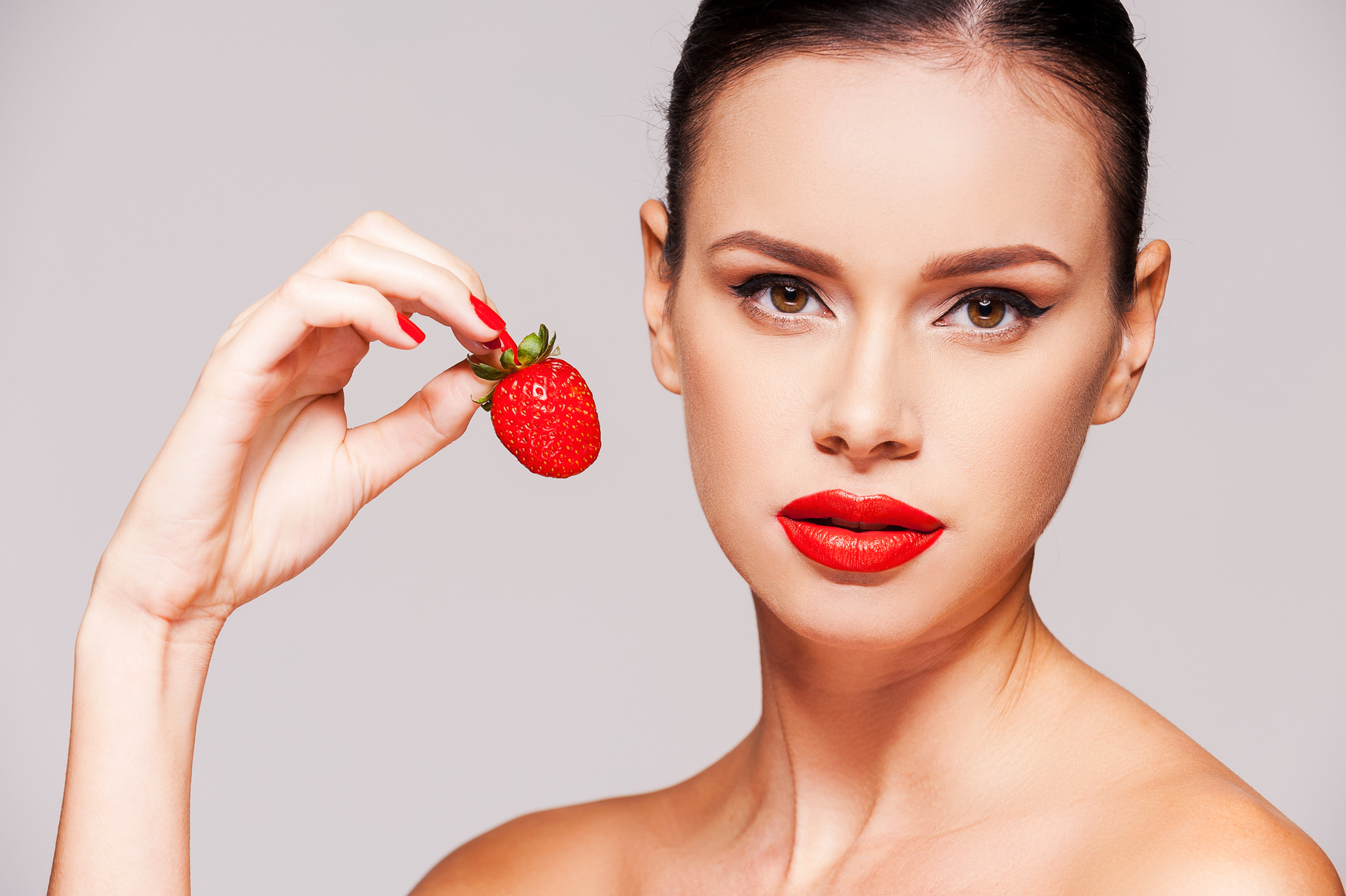 Маски из фруктов справятся с высыпаниями, морщинками, широкими порами и сухостью кожи