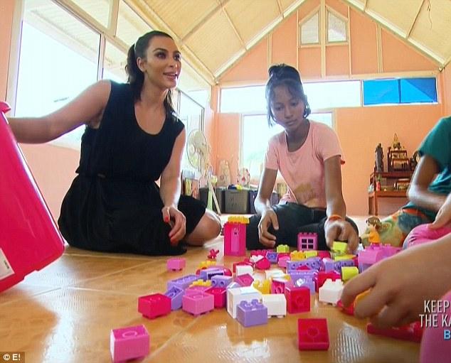 Кардашьян собирается усыновить сироту из Таиланда/dailymail.co.uk
