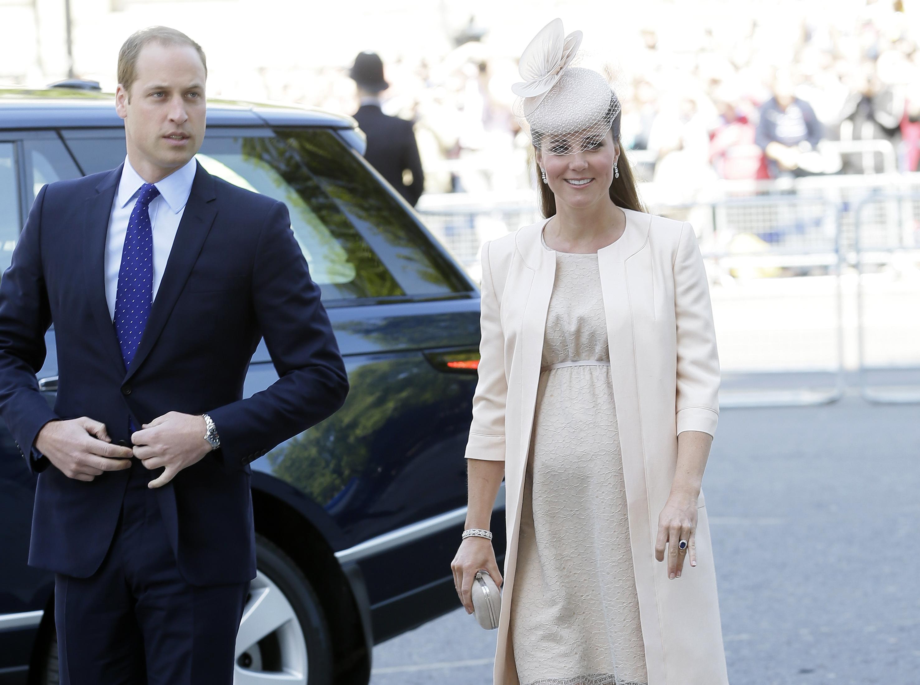Кейт Миддлтон родила сына принцу Уильяму 22 июля