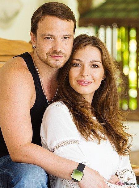 Российский актер Алексей Чадов с женой литовской актрисой Агнией Дитковските