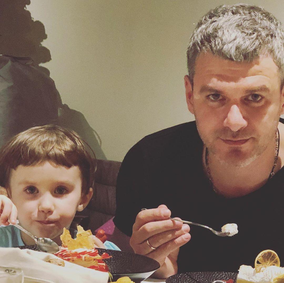 Арсен Мирзоян рассказал, как отнесся к дебюту 3-летней дочери в клипе Тони Матвиенко