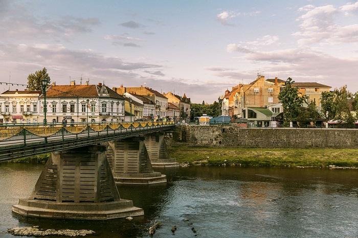 ТОП-7 городов Украины, которые больше всего любят туристы -  Ужгород