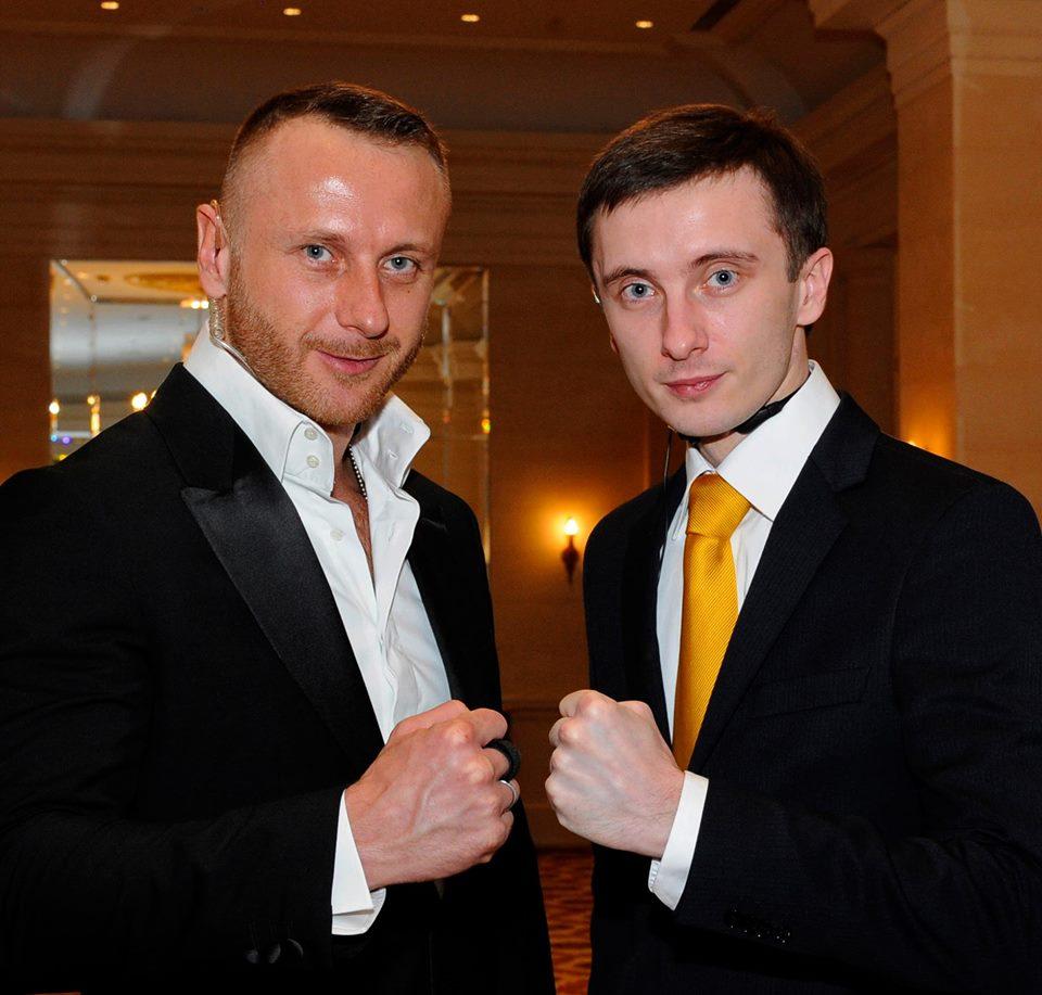 Сергей с братом (справа)