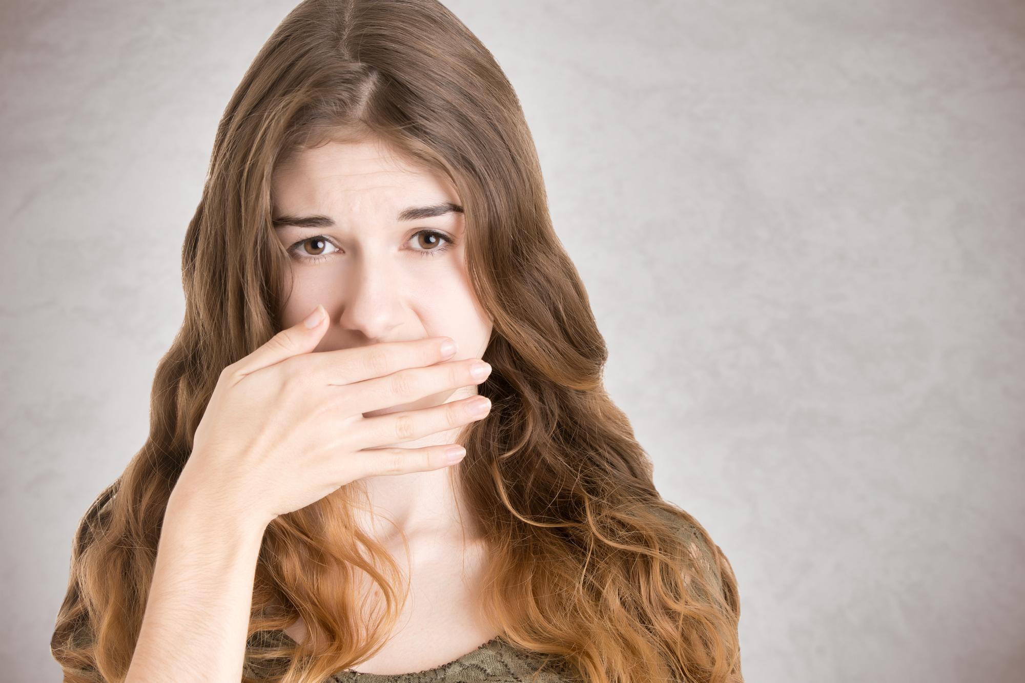 Гастроэнтеролог рассказала, почему возникает неприятный запах изо рта
