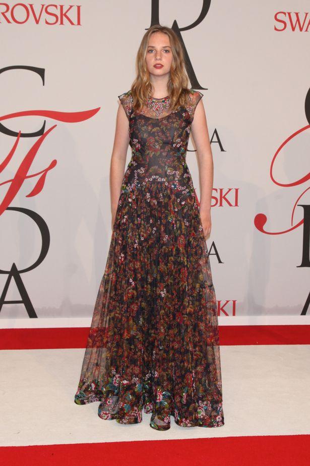 Дочь актеров Умы Турман и Итана Хоука Майя на церемонии CFDA Awards