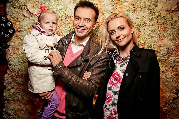 Алексей Серов с бывшей женой и дочерью