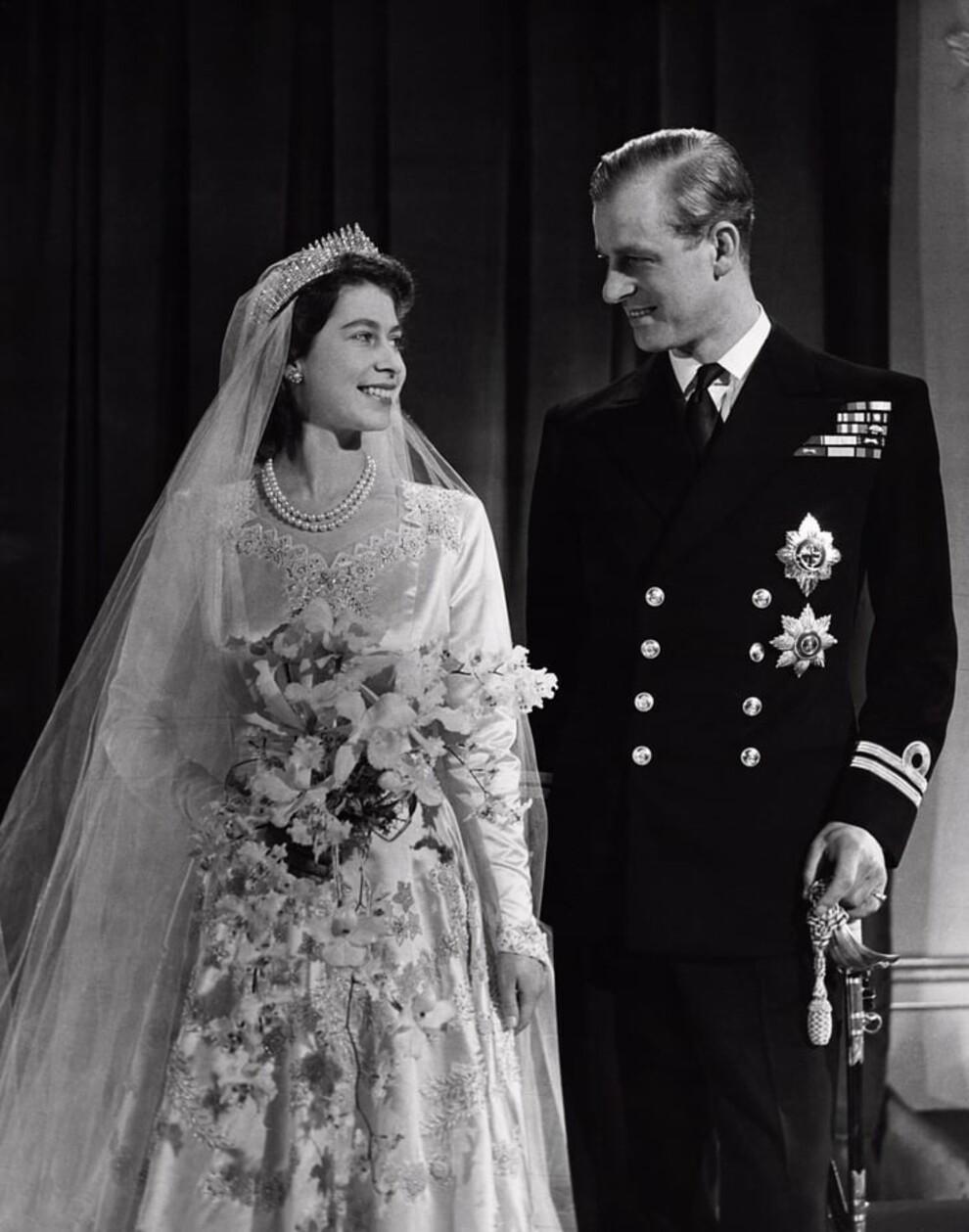 Все, что известно о свадебном образе принцессы Беатрис
