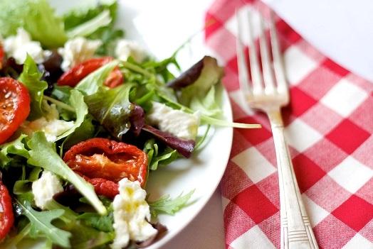 летние салаты из помидоров рецепты