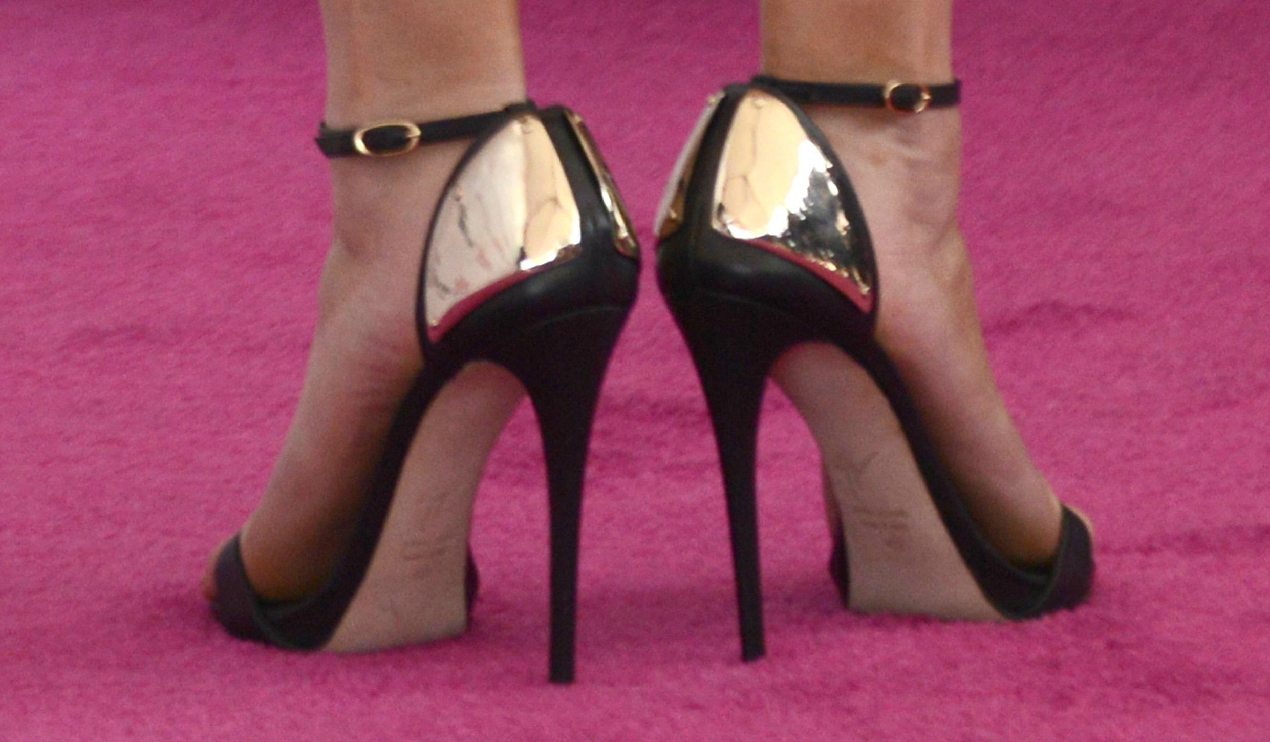 Обувь на каблуках: что на самом деле о ней думают звезды?