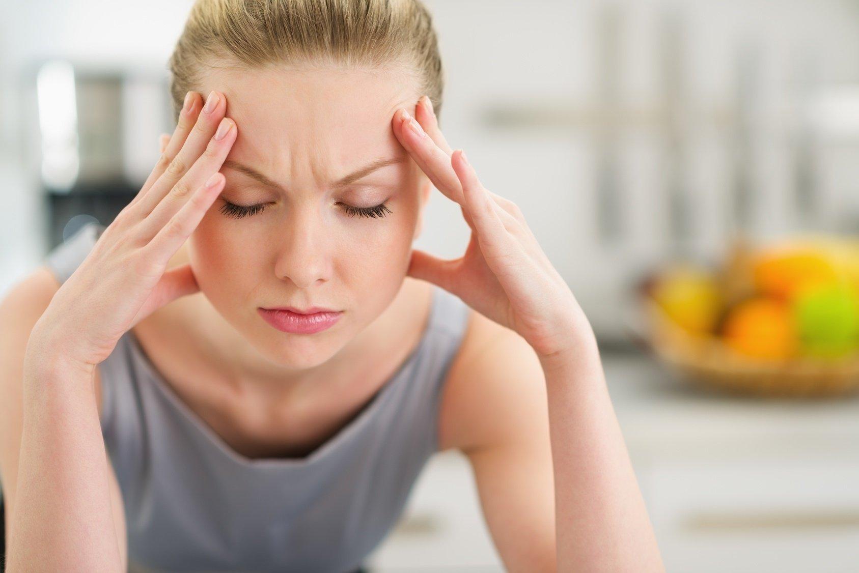 Диетолог рассказала, какая еда может спровоцировать головную боль