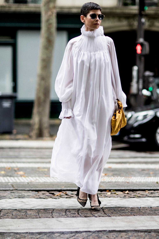 Белые ночи: Как носить провокационный цвет с выгодой для фигуры