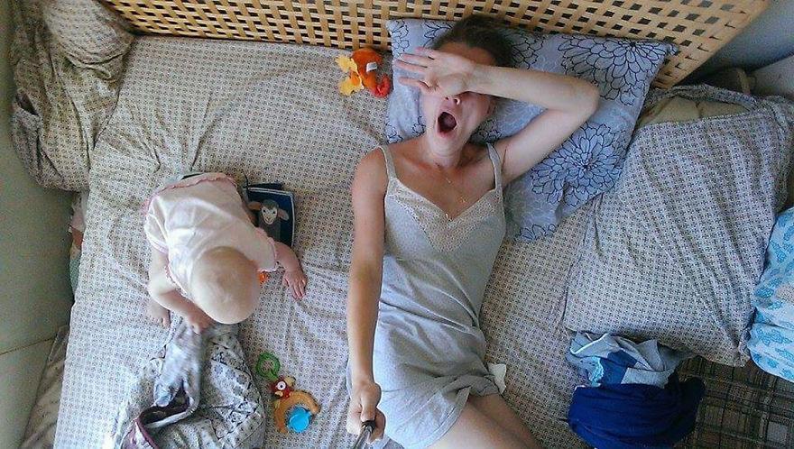 Молодые мамы показывают своими руками