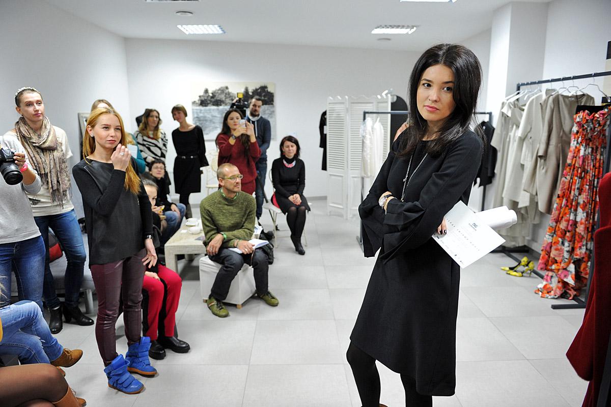 Дизайнер Елена Рева пригласила журналистов в свой шоу-рум в центре Киева