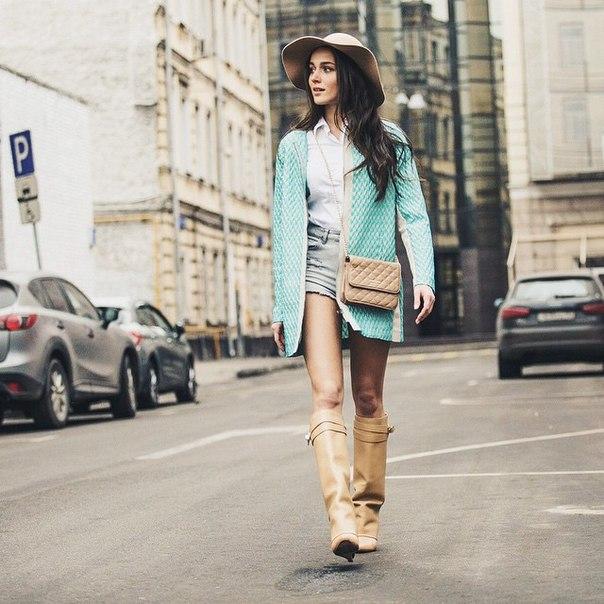 Сейчас россиянка строит свою модельную карьеру за границей