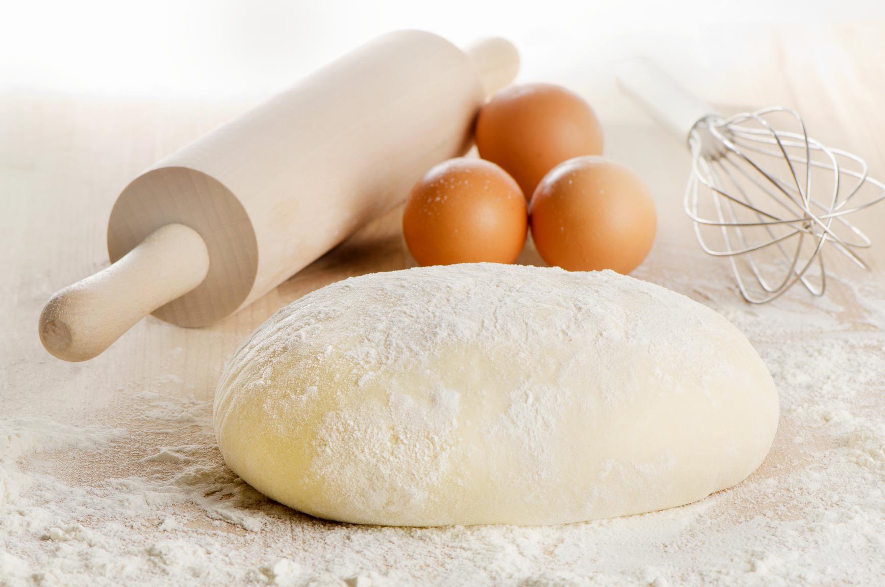 Надо ши в тесто для пирогов добавлять яйцо