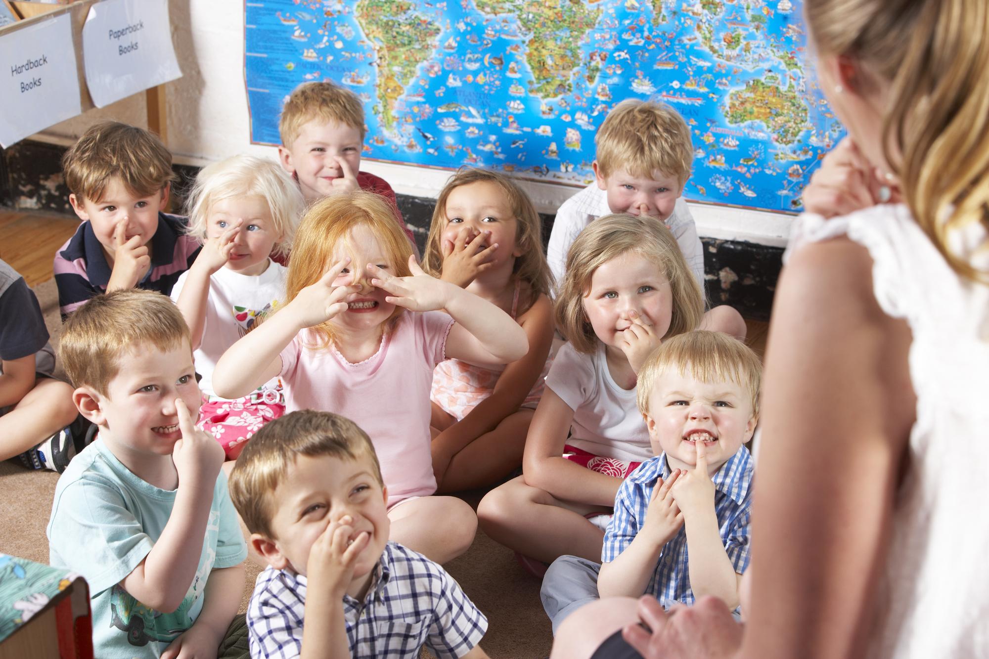 Сценарий ко Дню учителя: веселые сценки