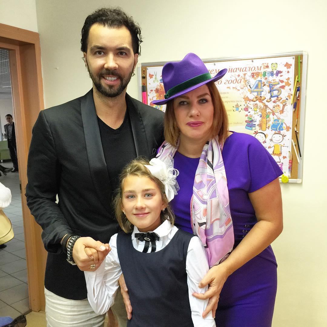 Денис Клявер с Евой Польной и дочкой Эвелин