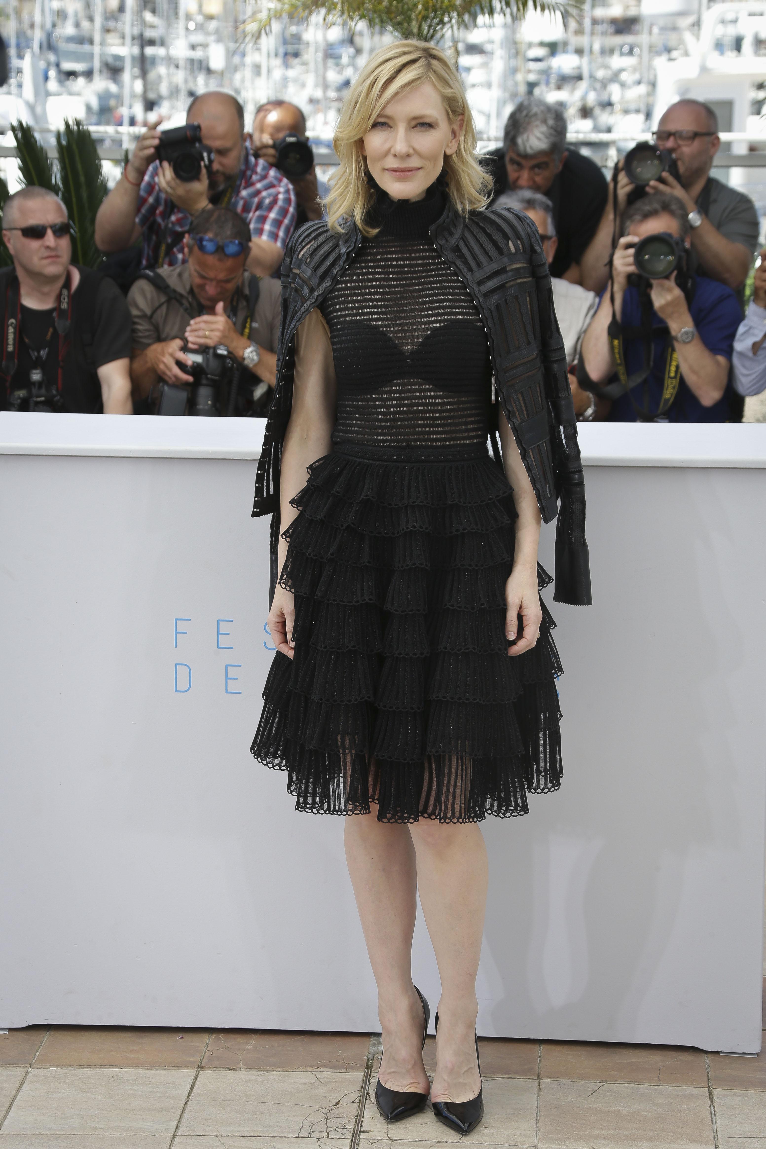 Актриса Кейт Бланшетт удивила странным нарядом от Alexander McQueen