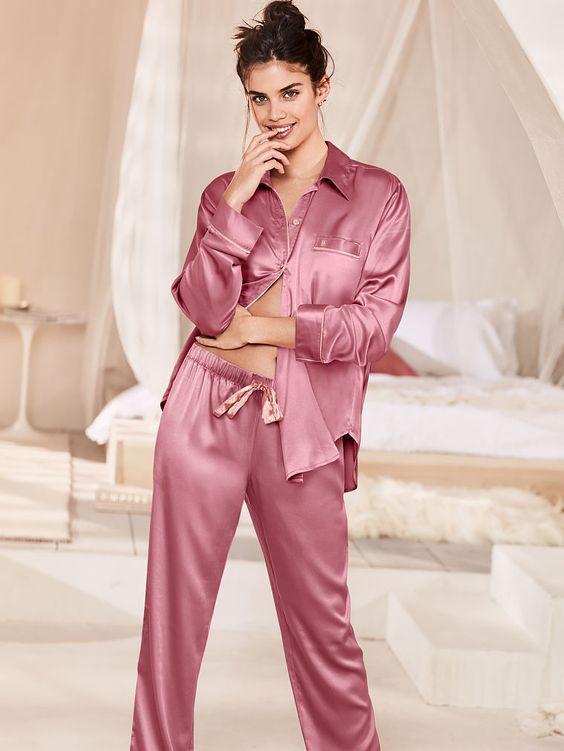 ТОП-7 образов одежды для сна - костюм на пуговицах