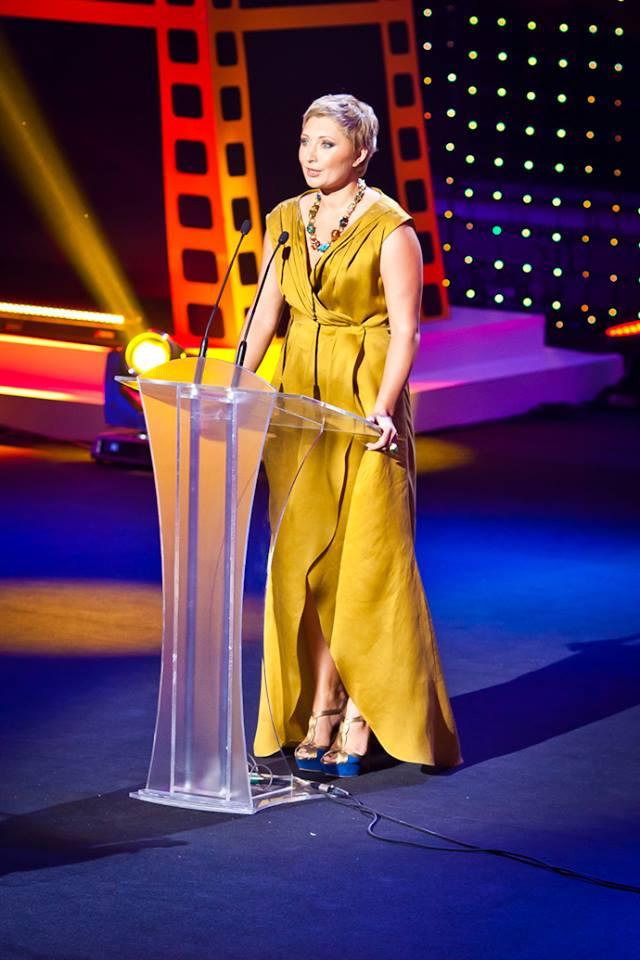 Президент ОМКФ Виктория Тигипко в платье KAMENSKAYAKONONOVA