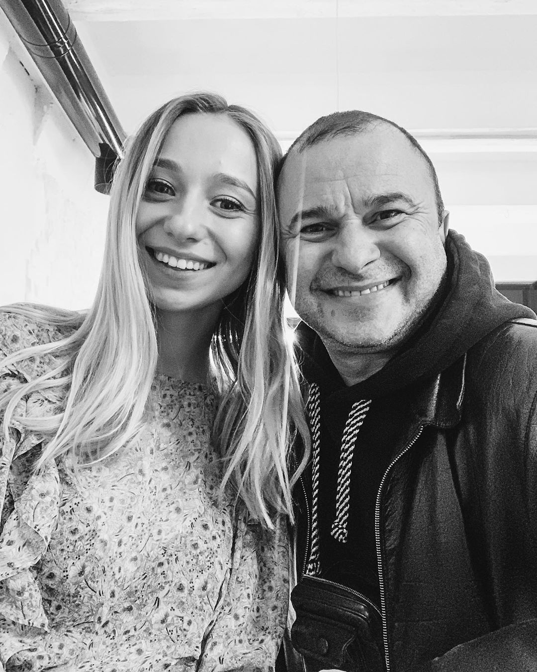 В ванной с пеной: Виктор Павлик и его молодая невеста забросали Сеть пикантными фото