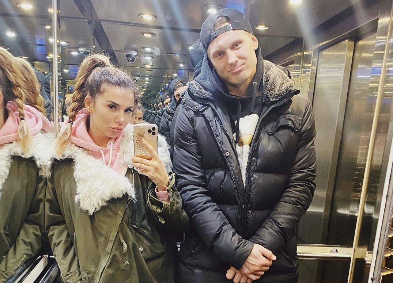 Совсем не такая, как Седокова: Жена Яниса Тиммы покорила Сеть новым фото