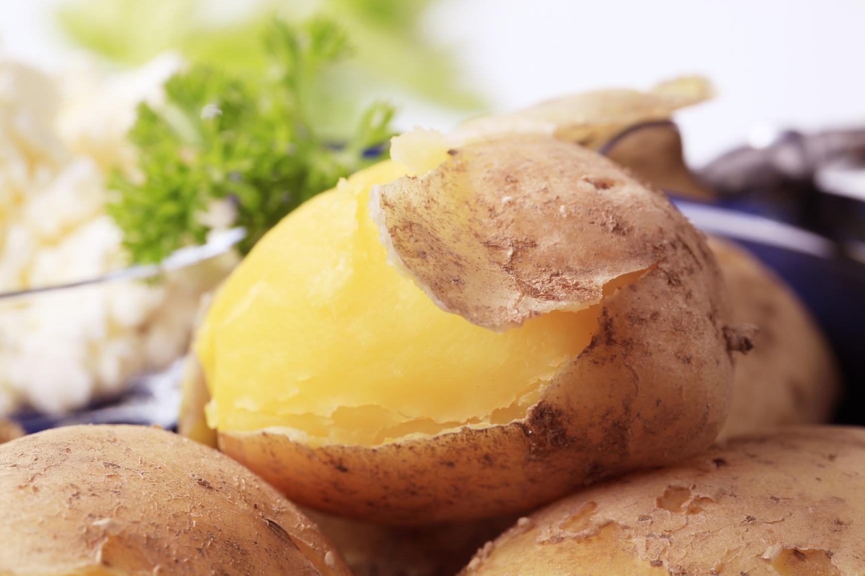 Вареный картофель в мундире рецепт