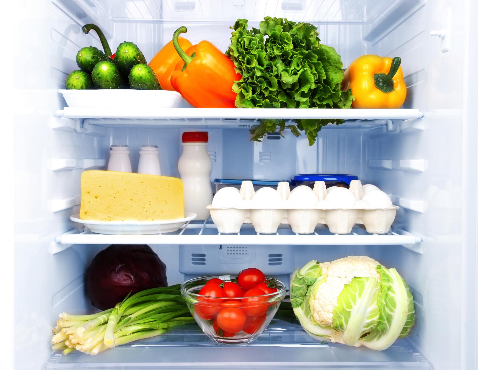 Почему в холодильнике продукты замерзают