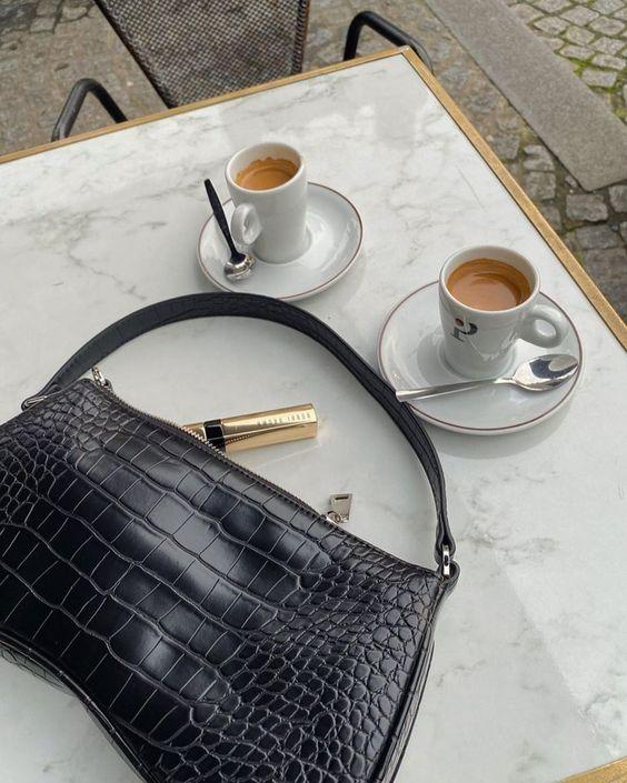 Маленькие сумки с ручкой