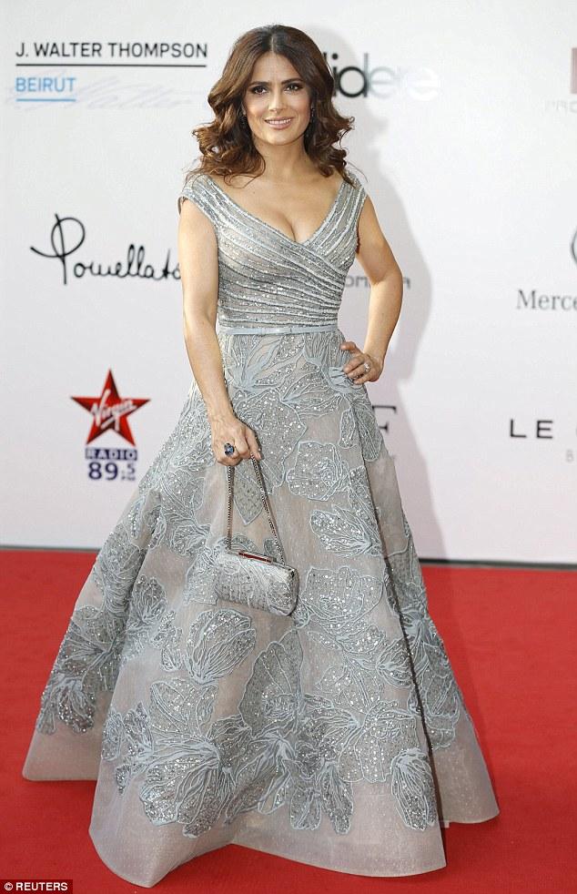 Звездный выход: Сальма Хаек в изысканном платье от Elie Saab