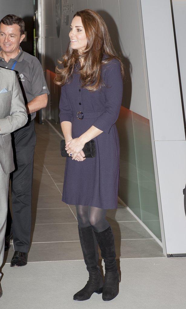 Кейт Миддлтон надела пальто, скрывающее ее животик