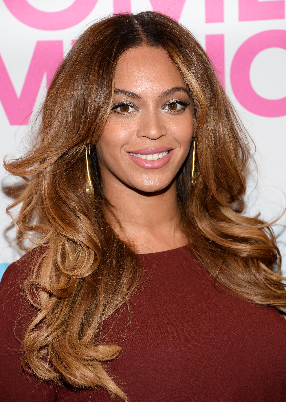 9 знаменитостей, которые делают макияж самостоятельно: Бейонсе