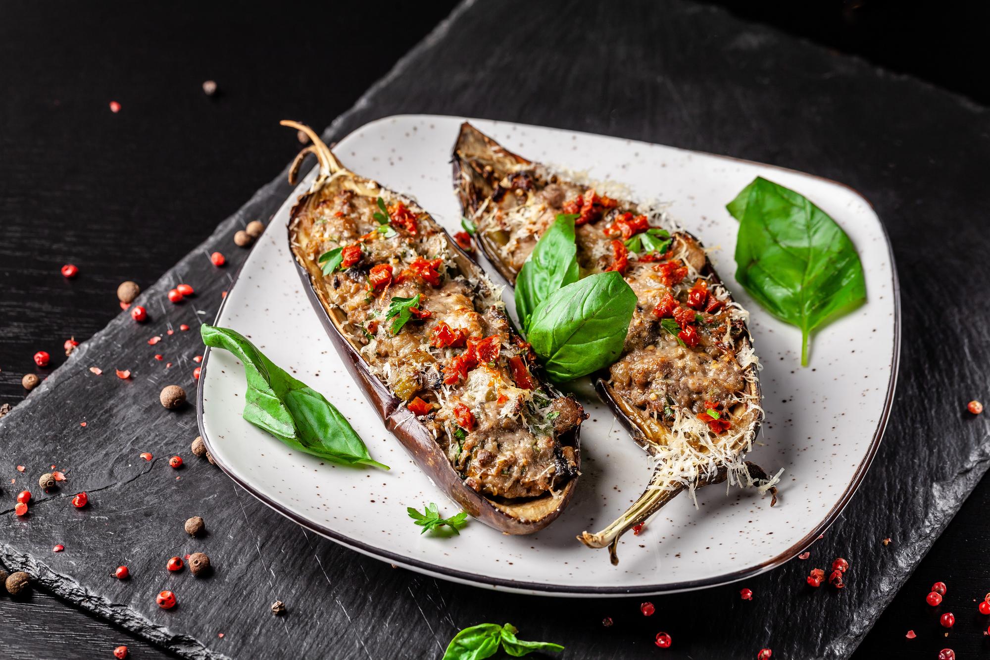 Салат Пармиджано: ресторанное блюдо в домашних условиях