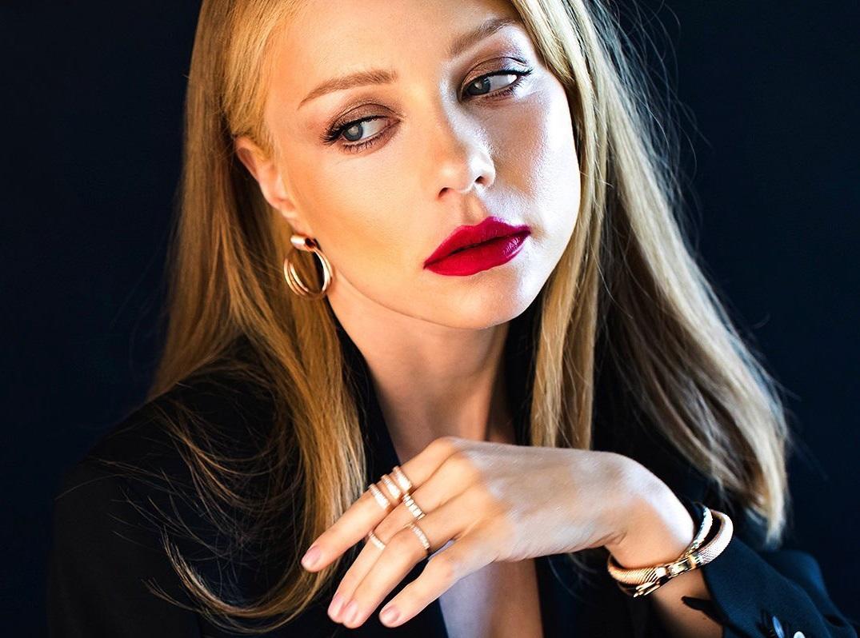 Откровенно и красиво: Тина Кароль поразила снимками с концерта