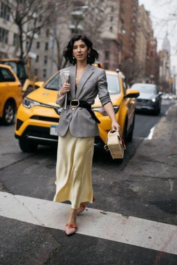 Юбка миди и приталенный пиджак