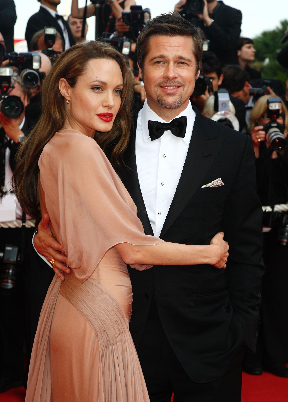 Анджелина Джоли не разрешает видеться Брэду Питту с детьми
