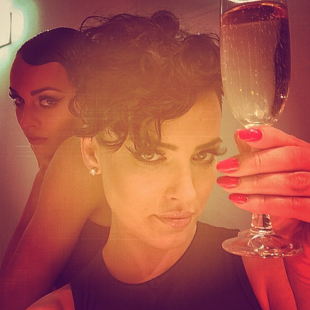Даша Астафьева пила шампанского сама