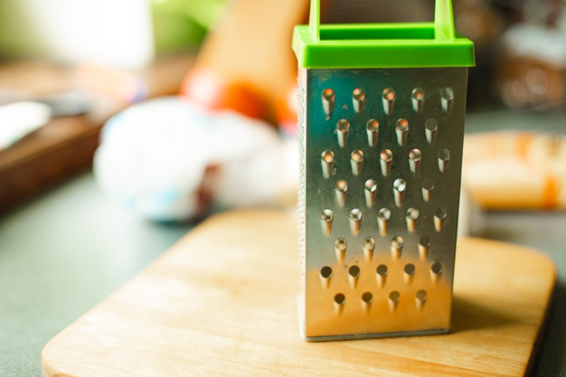 Какие кухонные принадлежности нужно не забывать менять