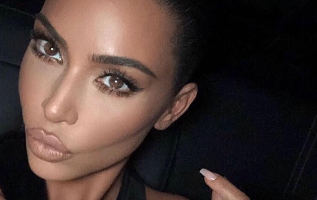 Идеальное тело и роскошные волосы: Ким Кардашьян снялась в рекламе