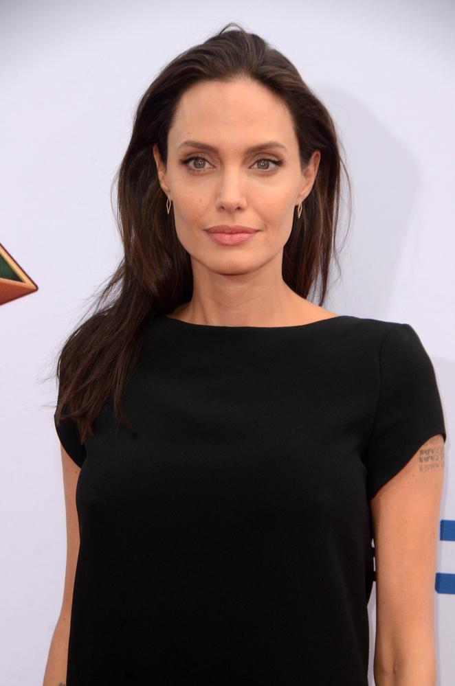 Анджелина Джоли новости о болезни анджелина джоли новости