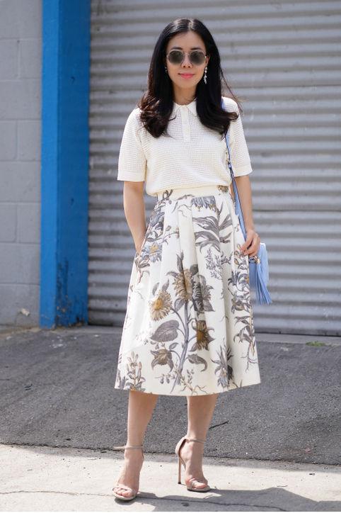 Модницы знают как выглядеть эффектно в футболке поло
