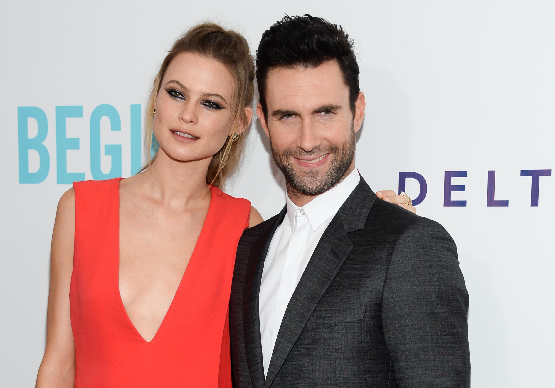 Модель Victoria's Secret Бехати Принслу стала женой солиста Maroon 5 Адама Левина