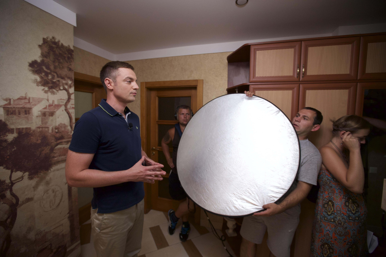 Роман Кадемин во время съемок программы Удачный проект