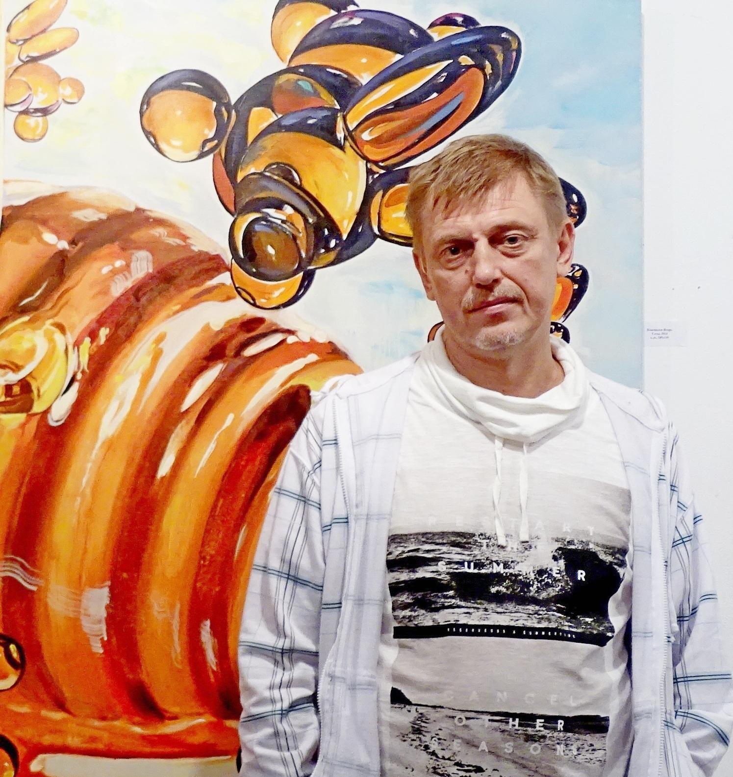 Открывается выставка художника, который с иронией изображает
