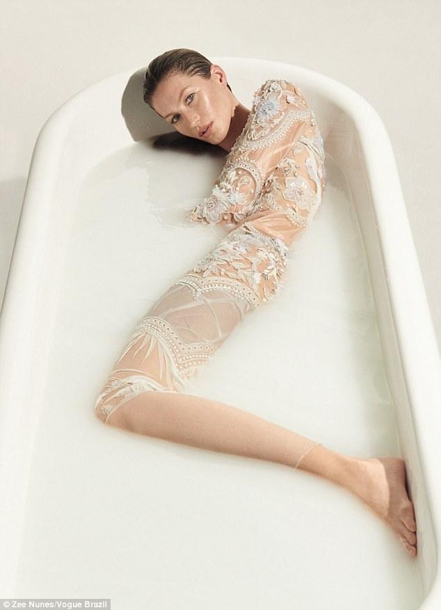 Жизель Бундхен отмечает 20-летие карьеры в Vogue